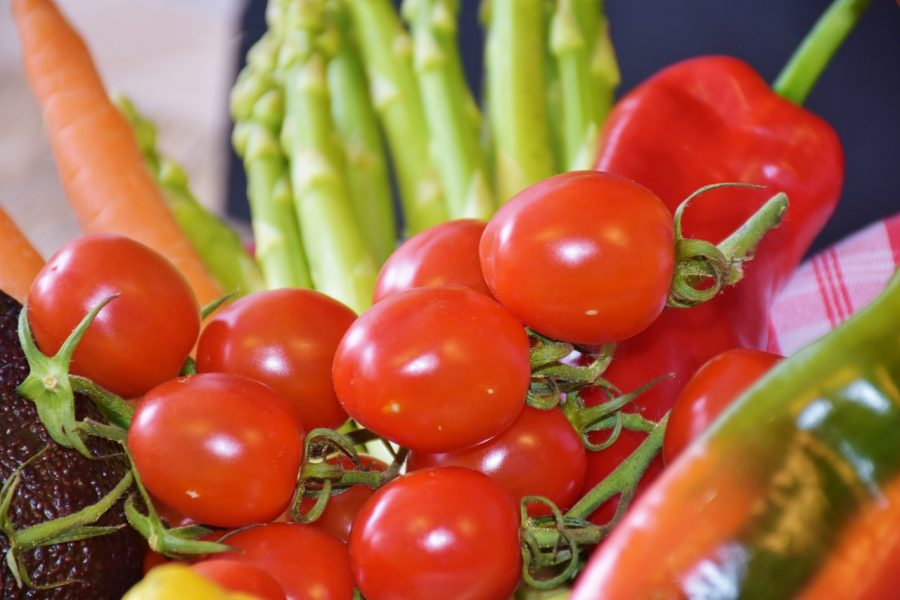 Tomatoes and low carb vegetables