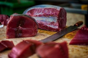 Raw red tuna