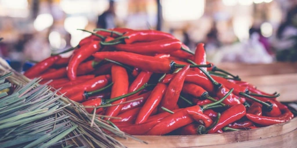 Cayenne as a spice, does spicy food kill bacteria