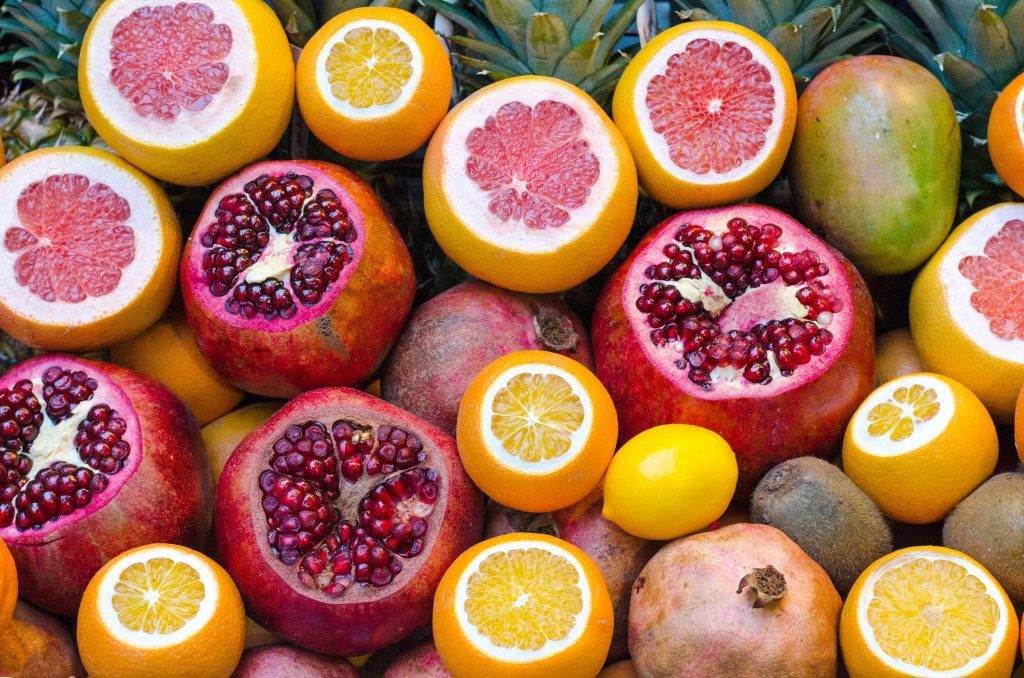 Pomegranate and citrus fruit are used for blood's normal hemoglobin levels