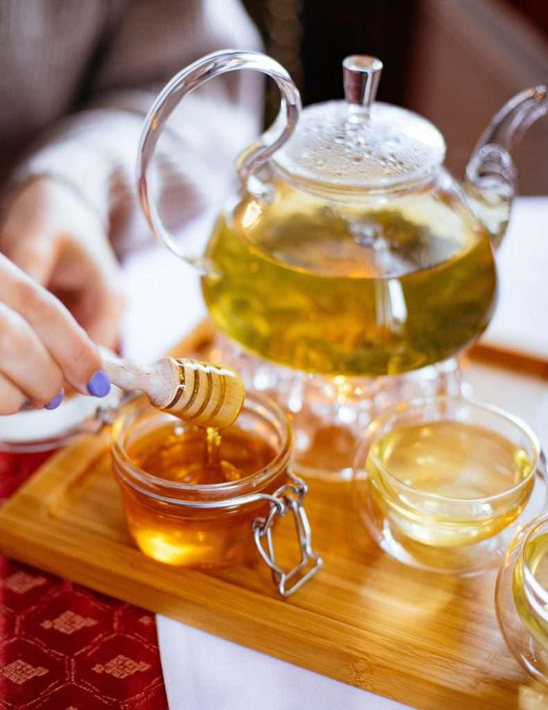 Drinking Green Tea with Raw Honey