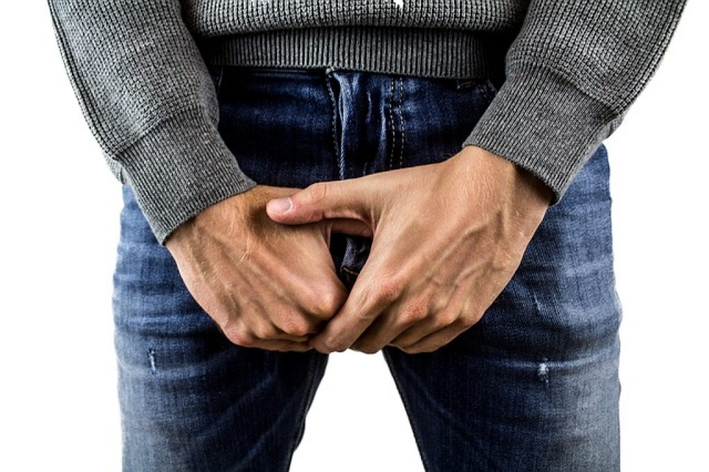 testicle pain when walking