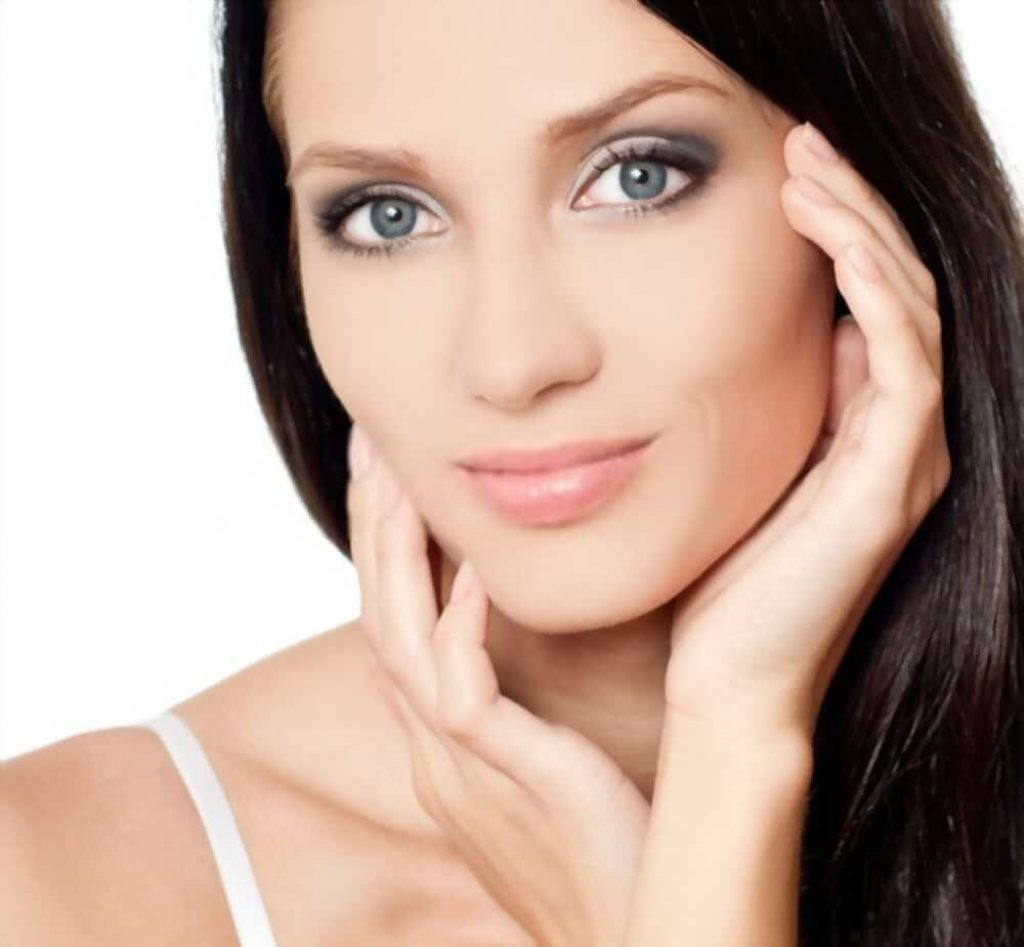 Face slimming due to weight loss