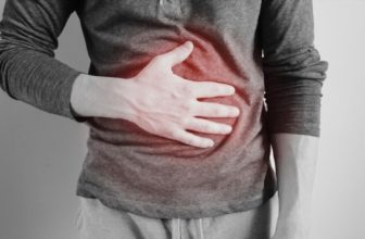 stomach pain when breathing deeply