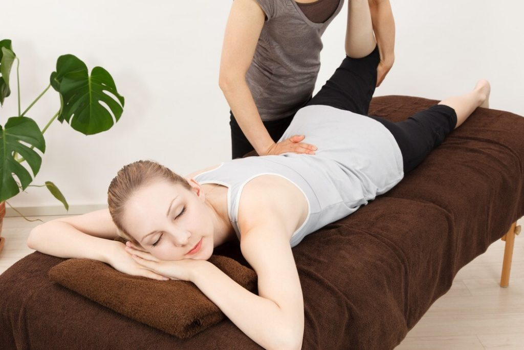 Chiropractor: Does Sleep Cause Back Pain?