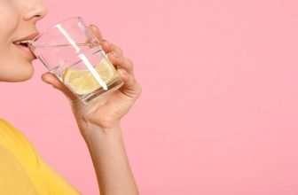 drinking-lemon-water