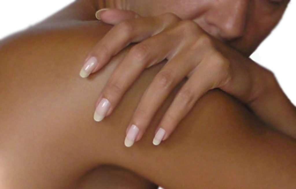 tanning-acrylic-nails
