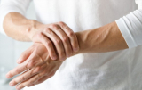 What Are The Causes You Feel Vein Pain In Wrist? Find Out The 6 Risks